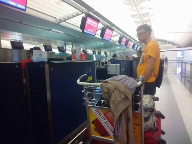 Hongkong Airport_Haltom Family (15)